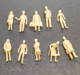 FIGURES SUPER PEOPLE STANDING10pc 1:87 PES-87ST