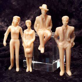 FIGURES-UNPAINTED 1:32 4PC